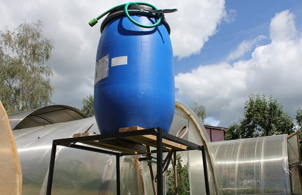водонапорный бак для дачи